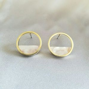 692e5e857 Jewelry - New white marble color gold trim stud earrings